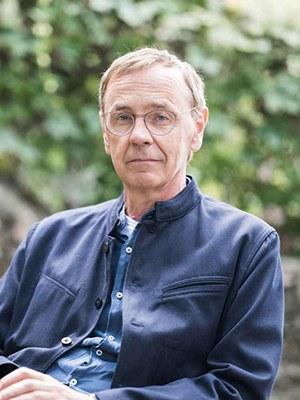 Walter Grond, geboren 1957, österreichischer Romancier und Essayist. Er ist Künstlerischer Leiter von ELiT Literaturhaus Europa.  Walter Grond, born 1957, Austrian novelist. He is artistic director of ELit Literaturehouse Europe.