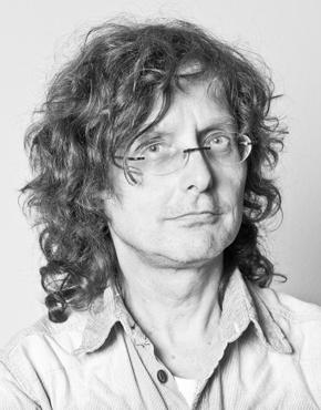 Beat Mazenauer, geboren 1958, Schweizer Literaturkritiker und -netzwerker. Er ist Leiter des Webportals LiteraturSchweiz (http://www.literaturschweiz.ch).  Beat Mazenauer, born 1958, Swiss literary critic and networker. He is director of SwissLiterature (http://www.swissliterature.ch).