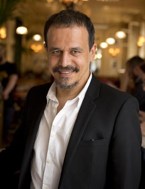 """geb. 1964, ist ein französischer Autor. Er arbeitet als Journalist und Dokumentarfilmer für ARTE. Für seinen Roman Arab Jazz erhielt er 2012 den Grand prix de littérature policière. Sein Film Juden & Muslime: So nah und doch so fern! wurde mehrfach ausgezeichnet.  """"Karim Miské hat zuallererst einen höllisch spannenden Krimi geschrieben, der aber viel mehr ist als das: Er ist auch die energische Warnung vor dem Fanatismus jeder Couleur, ein (Un-)Sittenbild unserer Zeit und eine Liebeserklärung an die Literatur."""" Dina Netz, WDR 5 über Arab Jazz"""