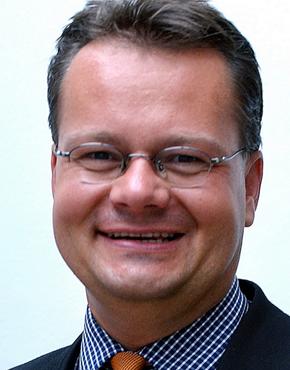 Dirk Rumberg, geboren 1963, Deutscher Unternehmensberater (Medienbranche) und Literaturagent. Er ist Geschäftsführer der Ultreya GmbH.  Dirk Rumberg, born 1963, German management consultant and literary agent. He is general manager of Ultreya GmbH.