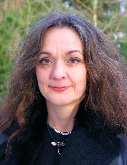 Theresa Schilhab ist Erziehungswissenschaftlerin an der Universität Aarhus. Ihre Schwerpunkte sind Wissenschaftsphilosophie, Kommunikation von Tieren, Neurowissenschaften.