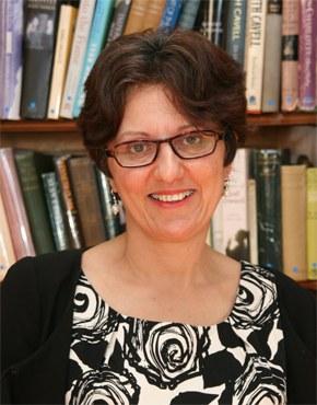 Nicola Solomon ist seit 2011 Geschäftsführerin der britischen Autorenvereinigung. Sie ist u.a. zuständig für den Schutz von Autoreninteressen gegenüber Verlagen und Literaturagenten,  die Beratung in Steuerfragen und für Kampagnen über Autorenrechte betreffend Copyright und E-Book, öffentliche Buchausleihen, Schutz gegen Diffamierungen und die Freiheit des Wortes. Davor arbeitete Nicola Salomon als Rechtsanwältin und war  spezialisiert auf das Gebiet Schutz des geistigen Eigentums und Mediengesetze. Sie ist beratendes Mitglied des Internationalen Autorenforums und des British Copyright Council.   Nicola Solomon has been the Chief Executive of the Society of Authors since March 2011. Her role includes protecting authors' interests in negotiations/disputes with publishers and agents, advising on tax, privacy etc and campaigning for authors' rights, including copyright, e-book rights, Public Lending Right, defamation reforms and freedom of speech. Nicola is a solicitor who was previously in private practice, specialising in intellectual property and media law. Nicola has an in depth knowledge of the publishing industry and the many associated legal areas, from copyright and defamation, to privacy, data protection and contract. She is a board member of the International Authors' Forum and the British Copyright Council. She is also a Deputy District Judge.