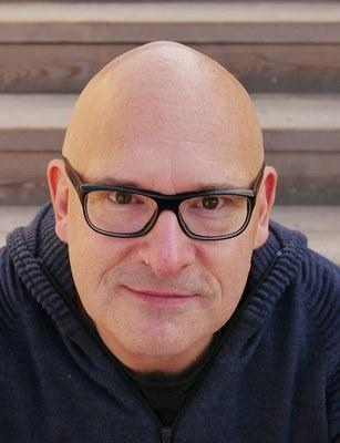 Mischa Zickler ist ein österreichischer Autor und Fernsehproduzent. Er war Programmchef der Radiokette FM4, Regisseur der Sendungen von Stermann & Grissemann und arbeitete für RTL, ProSieben und zuletzt als Unterhaltungschef von SAT.1.
