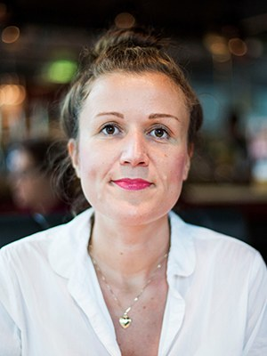 """Daniela Emminger, b. 1975, is an Austrian writer. She was a copywriter in Hamburg and Berlin and an editor in Lithuania and Latvia. She lived in the Kyrgyzstan steppe for her latest novel. Recently published: Kafka mit Flügeln, 2018. """"Daniela Emminger is one of the most original voices of contemporary Austrian literature, changeable, grotesque and language-crazy."""" Sebastian Fasthuber, Die Tageszeitung"""