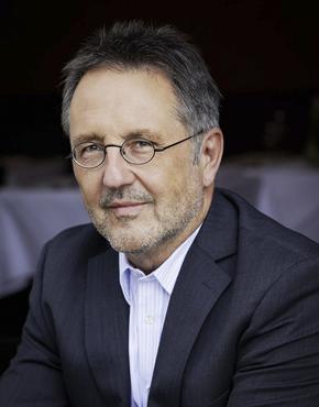 Rainer Moritz, born 1958, German literary critic and writer. He is director of Literaturhaus Hamburg.  Rainer Moritz, geboren 1958, deutscher Literaturkritiker und Autor. Er ist Leiter des Literaturhauses Hamburg.