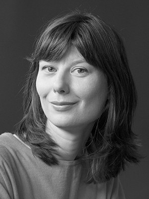 """Anna Ospelt, b. 1987, is a Liechtensteiner writer. She studied sociology and media studies in Basel. She lives in Vaduz. Recently published: Wurzelstudien, 2020. """"Anna Ospelt's perception of nature focuses on filigree detail and alternately expands the view to the metaphorical horizon. Her book does justice to the title. Her studies collect material for something bigger, maybe a novel that is hinted at in this book."""" Beat Mazenauer,  Viceversa Literatur"""