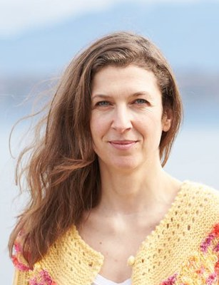 Carmen Stephan, b. 1974, is a German writer, after several years in Rio de Janeiro she now lives in Geneva. She was awarded the Literature Prize by the Jürgen Ponto Foundation.