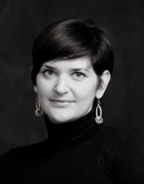 Renata Zamida ist Mittarbeiterin der Slowenischen Buchagentur, die vom Kulturministäriums zur Förderung des Buchwesen in Slowenien gegrundet wurde und auch für die Presentation der Slowenischen Literatur im Ausland sorgt. Sie ist bei der Buchagentur für den internationalen Bereich zuständig und leitet das Projekt Slowenien- Ehrengast der Frankfurter Buchmesse. Bis 2016 arbeitete sie zehn Jahre als Mangerin für Internationales Recht bei dem Verlag Beletrina  in Ljubljana. Sie hat die E-Book Verkaufs- und Leihplattform Biblos mitentwickelt, die als europäisches Vorbild für die Verleihung von E-Books in öffentlichen Bibliotheken  ist und zudem die Hauptplattform für E-Books in Slowenien. Sie ist auch im Vorstand der Slowenischen Buchmesse aktiv und betreut dort das Gastland Programm.  Renata Zamida works for the Slovenian Book Agency, established by the Ministry of Culture to develop and enhance the publishing and bookseller perspectives in Slovenia, also in charge for the promotion of Slovenian literature abroad. She has been working for Beletrina Academic Press in Ljubljana for ten years, until 2016, as Foreign Rights Manager. She  has also co-developed the e-book lending and selling platform Biblos - an European role model lending system for e-books in public libraries and the main platform for e-books in Slovenian. She is also active in the advisory and management board of the Slovenian book fair, responsible for the Guest of honour countries